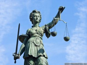 lady-justice-statue-wallpapers-1024x768-1-300x225